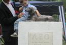 Памятник маленькой таксе с огромным сердцем